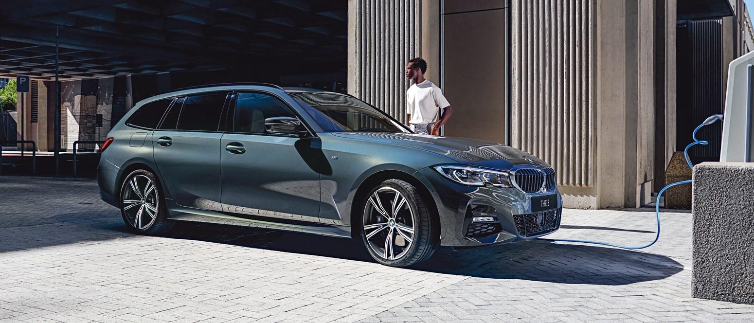 Kom tættere på drømmen om en ny – eller bedre brugt – BMW til en super skarp rentesats!
